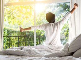 Keuntungan bangun dipagi hari yang perlu kamu tahu