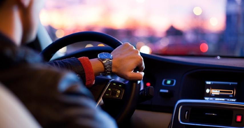 Perbedaan Mobil Listrik dengan Mobil Konvensional - Jarak Tempuh