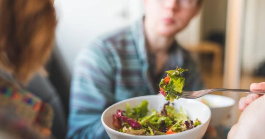 Cara menjaga vitalitas saat puasa - Gizi