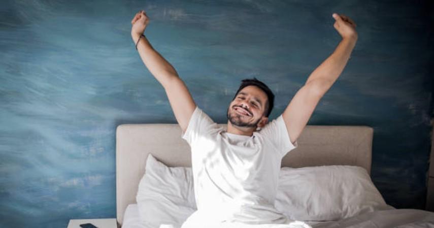 Tips berpuasa saat bekerja - Bangun lebih awal saat sahur