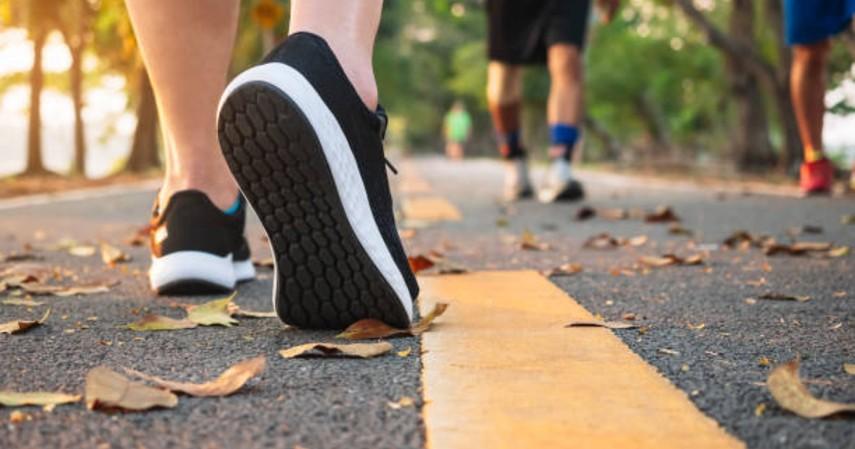 Tips puasa agar turun berat badan - Berjalan kaki