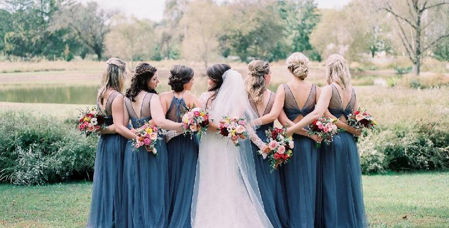 cara menyiapkan pernikahan - Seragam Bridesmaid