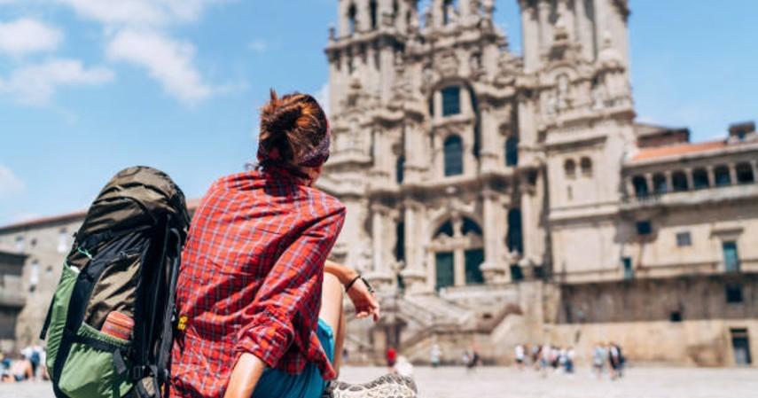 Tips wisata saat puasa - Memperhatikan tempat ibadah yang ada di tempat wisata