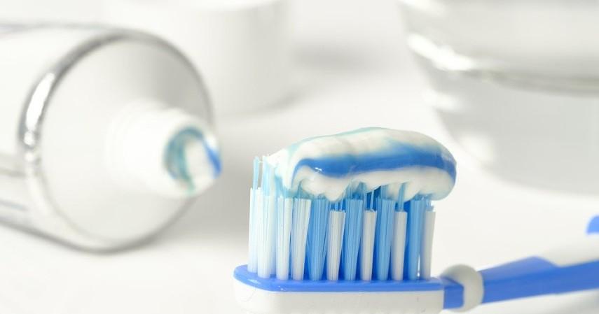 cara memutihkan gigi alami - Fluoride