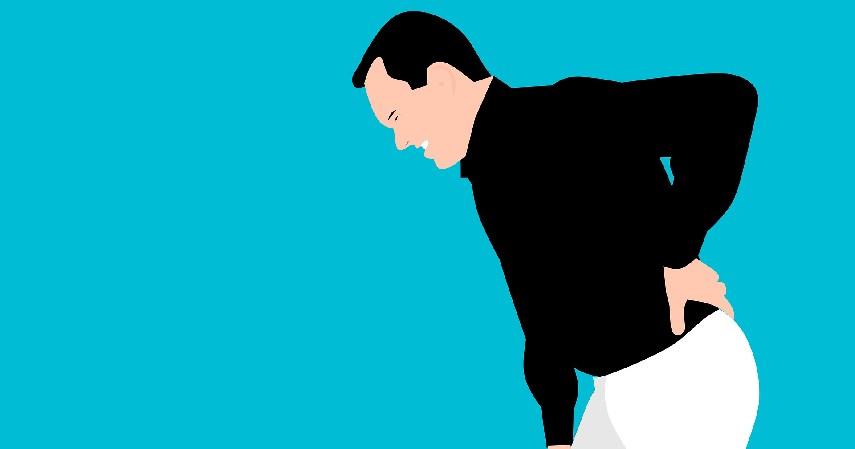 dampak olahraga berlebihan - Menimbulkan sakit punggung