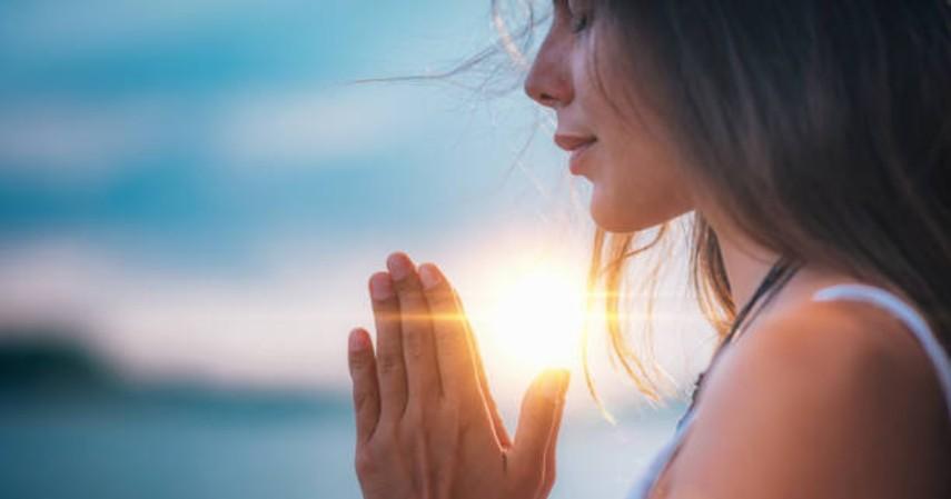 mengendalikan stres termudah - meditasi