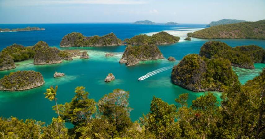 objek wisata papua - raja ampat
