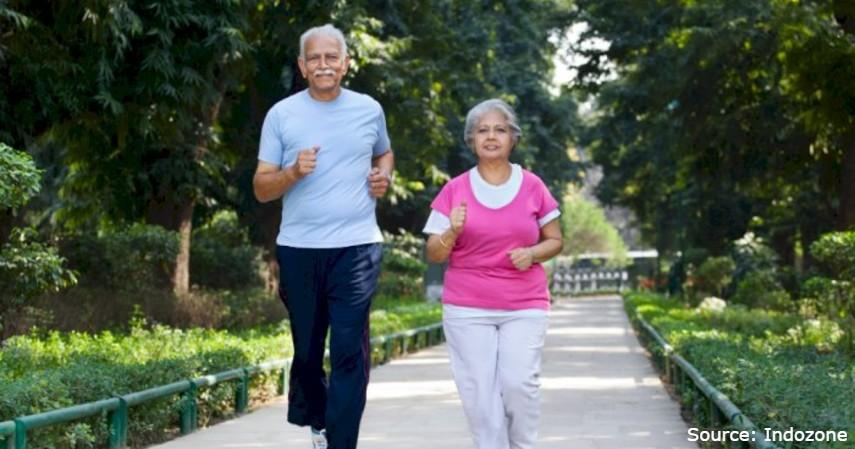 olahraga yang cocok untuk penderita stroke - jalan kaki