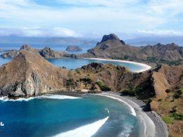 traveling di indonesia