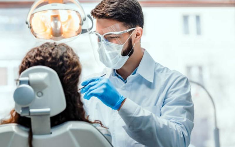 obat sakit gigi - memeriksa ke dokter